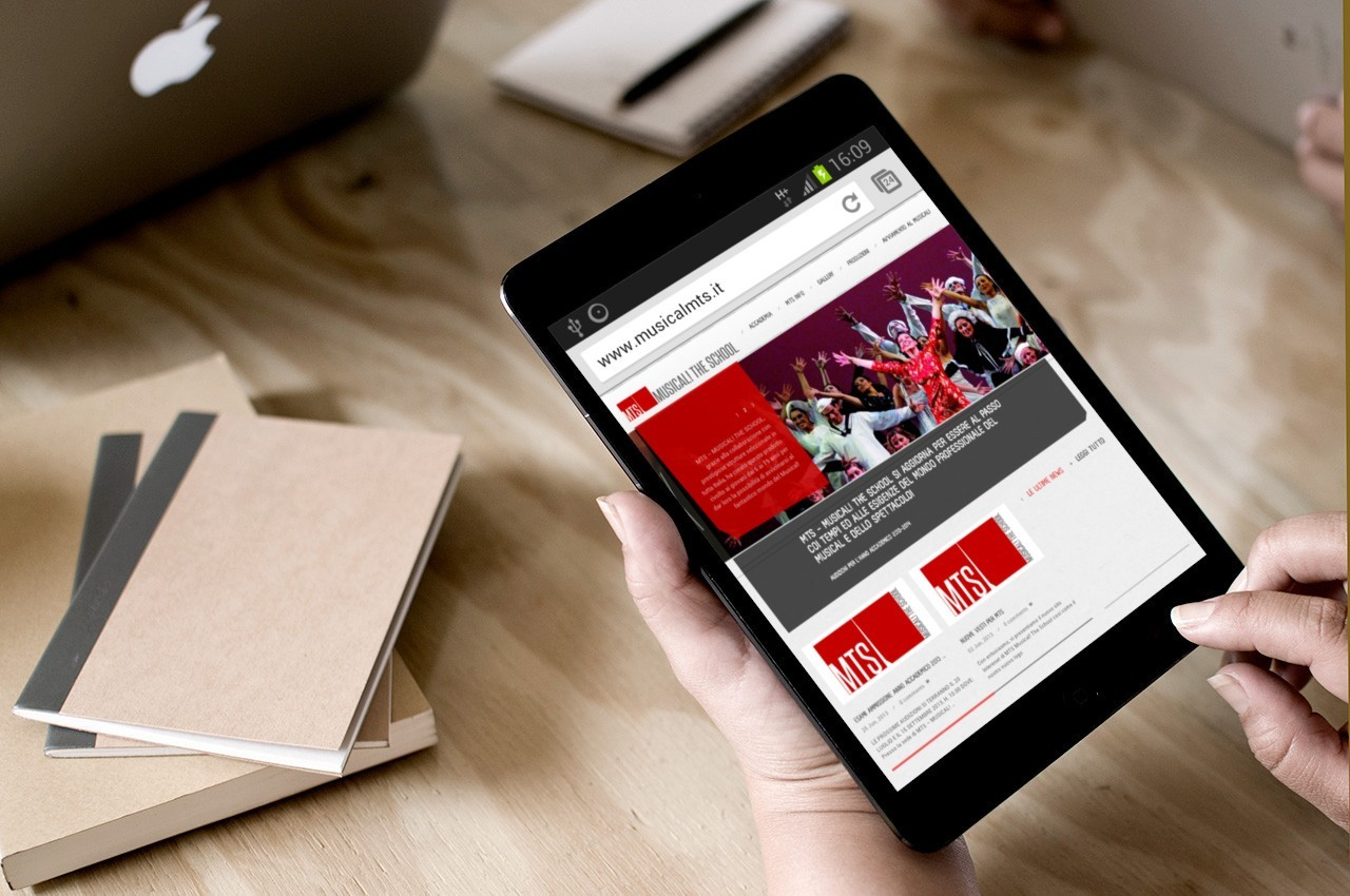 MUSICAL THE SCHOOL - WEB SITE - MOBILE TABLET