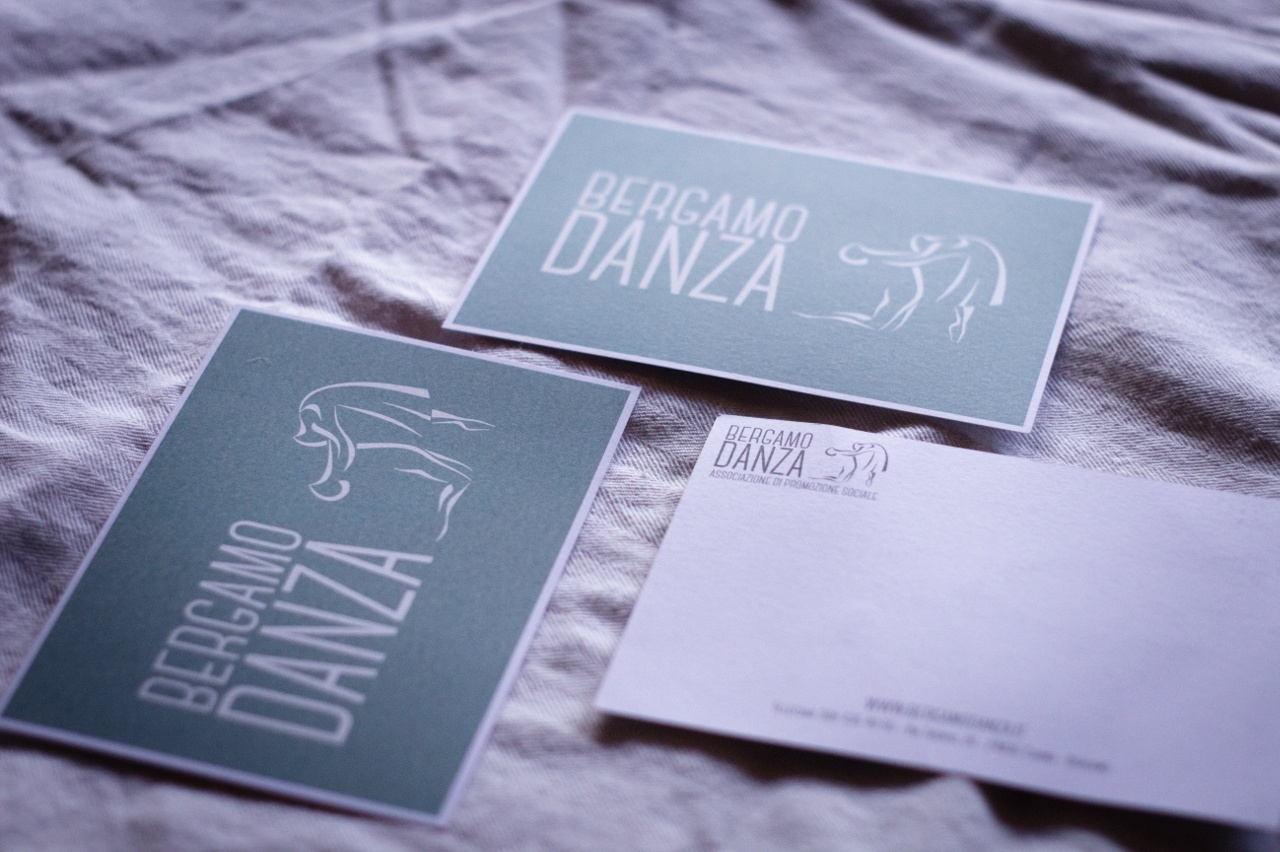 Cartolina e dettaglio retro